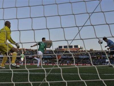 ЧМ-2010. На Аргентину попали мексиканцы, на Уругвай - корейцы, а Франция опозорилась