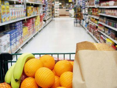 Луганчанам продают некачественные продукты