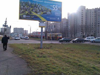 ДТП  в Киеве остановило движение скоростного трамвая