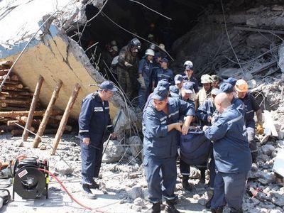 Кабмин выделил почти 8 миллионов пострадавшим и семьям погибших на шахтах Донбасса