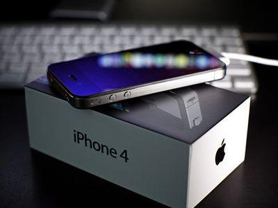 Новый iPhone 4S поставил рекорд по предзаказам