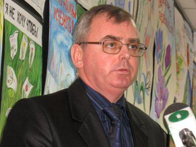 Заместитель начальника Государственной экологической инспекции в Донецкой области Юрий Черняк признался, что с нарушителей взыскано меньше одного процента штрафов.