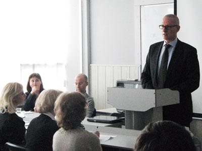 Клаус Цилликенс объяснил студентам, что необходимо для того, чтобы учиться в престижных университетах Германии.