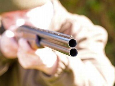 Брат выстрелил в сестру из обреза охотничьего ружья