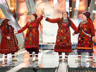 """""""Бурановские бабушки"""" решили """"закормить"""" гостей Евровидения-2012"""