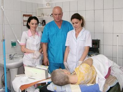 Доктора Исаева и тех, кто всё это время хлопотал над ней, Санита воспринимает теперь как членов своей семьи.