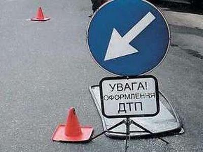 """В Мариуполе """"Рено"""" и """"Жигули"""" не поделили дорогу"""