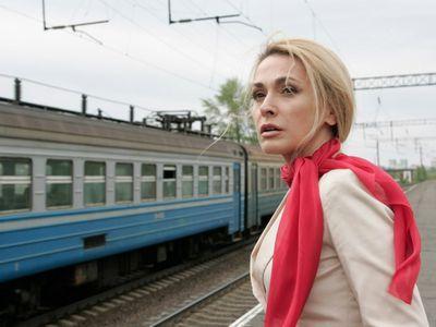 В крутых авто Ольгу укачивает, а вот в поезде нет.