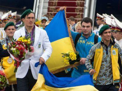 Ломаченко и Усик решили остаться в любительском боксе