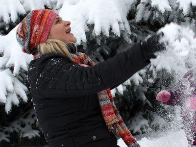 Дончанка Ольга Кудинова обожает снег и прогулки по морозу. И каждый день перед выходом на улицу обязательно пользуется защитной косметикой, чтобы лицо не пострадало.