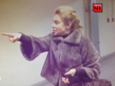 Российскую журналистку, не поделившую с соседом парковку, обвинили в побоях (ВИДЕО)