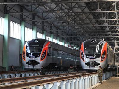 """""""Уберите свой Хюндай"""": проблемные поезда сняли с рейсов (ВИДЕО)"""