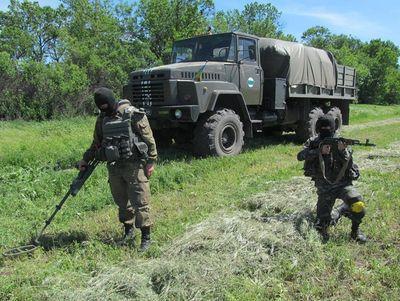 Взрывоопасный юг Донетчины: как военные сражаются с наследием войны