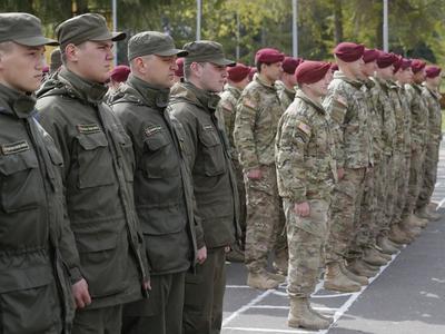 Порошенко: к 2020 году украинская армия должна соответствовать стандартам НАТО