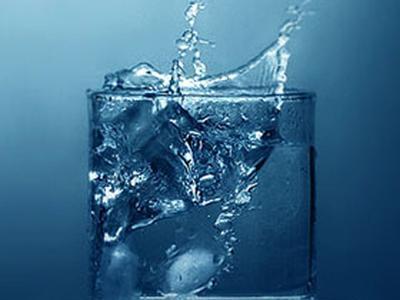 Стакан воды повысит работоспособность мозга - ученые