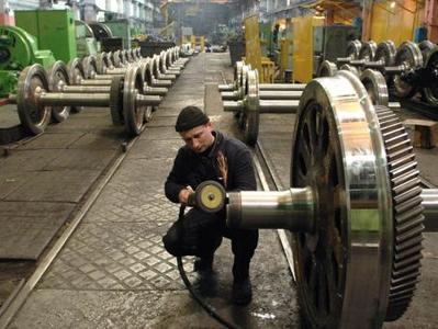 Луганские заводы продолжают  разбирать  и вывозить  в Россию