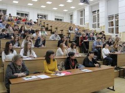 Путинский пропагандист довел до ужасного состояния школьников во время своей лекции (ВИДЕО)