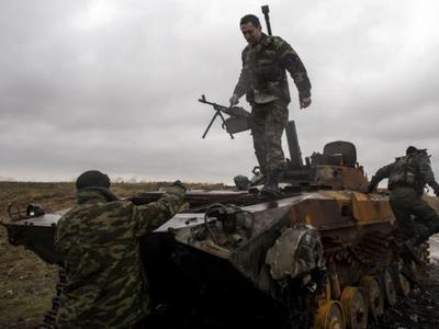 """Боевики наращивают силы, прикрываясь """"подготовкой к параду"""""""