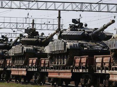Россия продолжает массово поставлять военную техники на Донбасс, используя железнодорожные станции оккупированных Дебальцево и Иловайска.