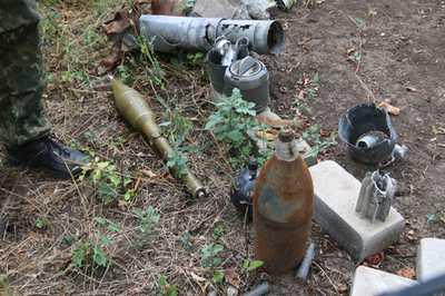 Полиция изъяла арсенал боеприпасов под Мариуполем