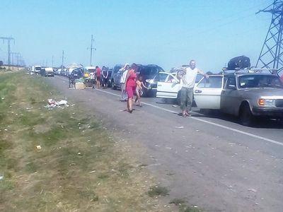 У двух донбасских пунктов пропуска с утра скопилось 800 авто