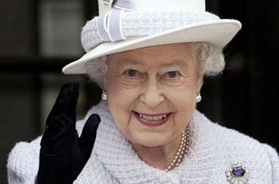 Елизавета II чуть не погибла от рук собственного охранника