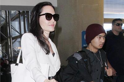 У Анджелины Джоли хотят забрать сына