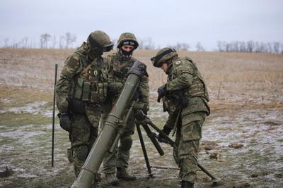 Боевики ДНР обстреляли украинских военных у Широкиного из артиллерии - штаб АТО