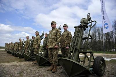 ВСУ на Донбассе получат новые виды оружия. Турчинов проинспектировал испытания