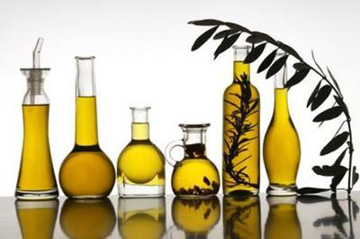 """Три """"корисні"""" рослинні олії, які негативно впливають на організм"""