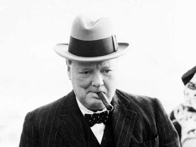 Недокуренную сигару Черчилля продали по цене автомобиля