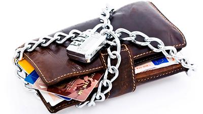 В Украине могут ввести моментальную блокировку банковских счетов по решению суда