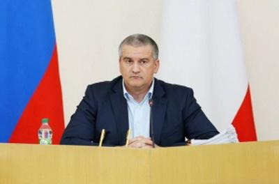 В оккупированном Крыму предложили Путину быть президентом пожизненно: Аксенов прокомментировал выдвижение Путина на новый срок