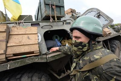За сутки боевики 27 раз обстреляли позиции сил АТО на Донбассе