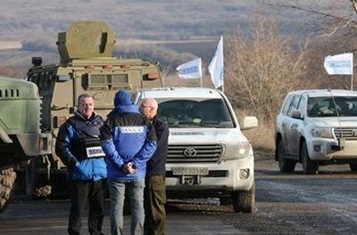 У Ясиноватой обстреляли миссию ОБСЕ