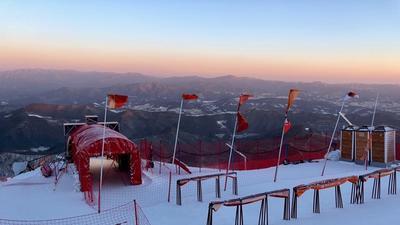 В Пхенчхане ураганный ветер сорвал соревнования горнолыжниц