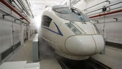 """В Китае испытали высокоскоростной поезд """"длинномер"""""""