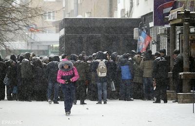 """""""Сдохнуть не дают, но и жить - тоже"""": что сейчас происходит на Донбассе"""