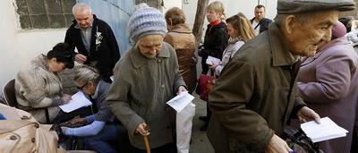 """""""Аркан"""" для переселенцев: на оккупированном Донбассе пенсионеров бросают на """"подвалы"""""""