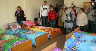 Тука: У администрации Донецкой и Луганской областей достаточно средств на жилье для переселенцев