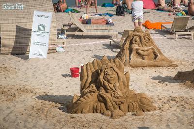 В Одессе прошел фестиваль фигур из песка (ВИДЕО)