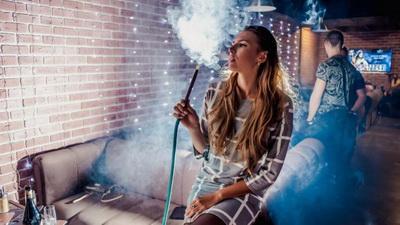 Ученые рассказали, чем опасно курение кальянов