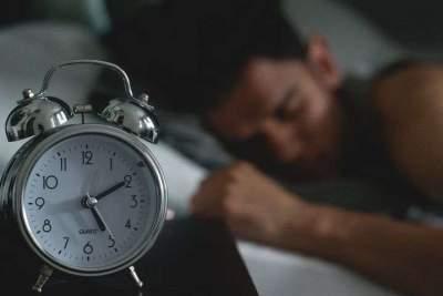 Медики рассчитали оптимальную для здоровья продолжительность сна
