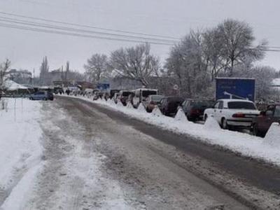 Смерти, снегопады и страшные очереди: мучения при пересечении донбасской линии разграничения