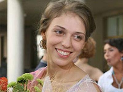 Нелли Уварову увезли из театра на «скорой»