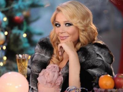 Молодая мама Тина КАРОЛЬ удивила всех: вместо того, чтобы отмечать Новый год дома, вместе с мужем и маленьким сынишкой она отправилась в Одессу на заработки. Правда, своих мужчин взяла с собой.