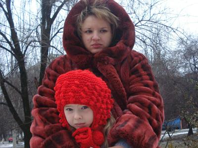 Маленькая семья Вишневых: одинокая женщина и малышка нуждаются  в защите от непорядочности и алчности.